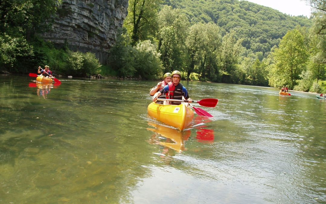vožnja rijekom u kanu-u